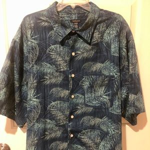 Men's Van Huesen Tropical Button Down Shirt. 2XL